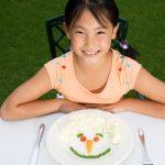 Comment l'alimentation des enfants doit-elle être en fonction de l'âge