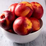 Nectarine, fruit riche en vitamines et acide folique