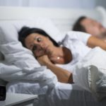 Pourquoi souffrons-nous d'insomnie en hiver?