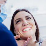 Blanchiment des dents: est-ce vraiment bon pour la santé?