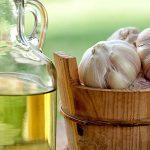 Gouttes d'huile d'ail pour les maux d'oreille