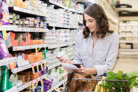 Vérifiez les étiquettes des aliments pour voir quel est leur pourcentage réel de sucres, de sel ou autre ajouté.