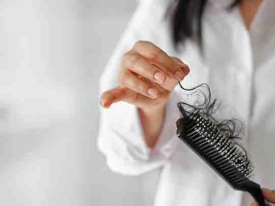 Quelle maladie peut faire tomber les cheveux ?